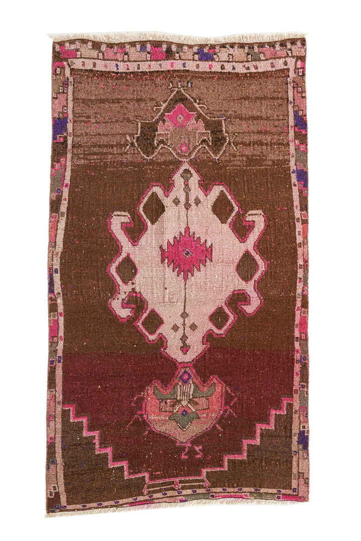 'AC-0818-518' - Turkish Vintage Accent Rug - 2'10'' x 5'2'' - Canary Lane - Curated Textiles