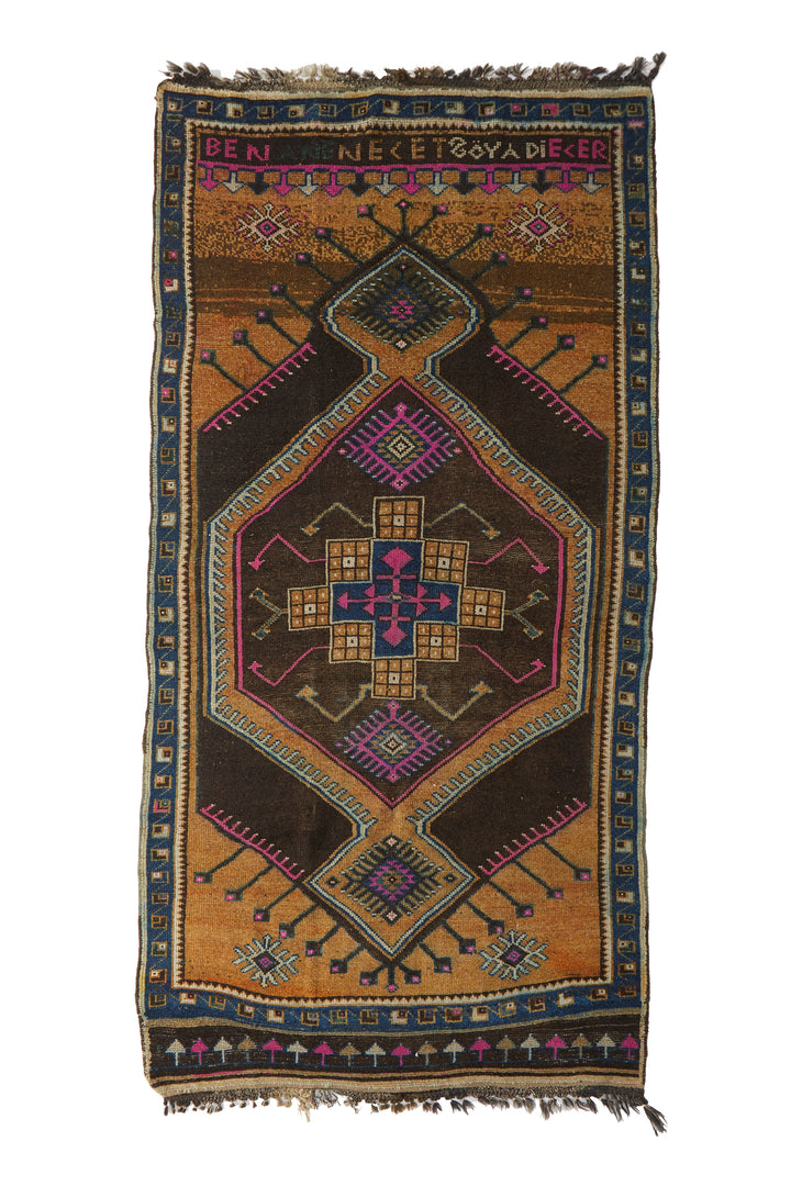 "'Leo' Turkish Vintage Area Rug - 5'9"" x 11'8"" - Canary Lane - Curated Textiles"