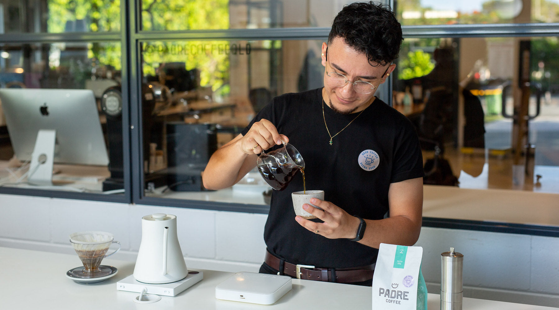 Jonathan brews our Colombia Auricel Conde
