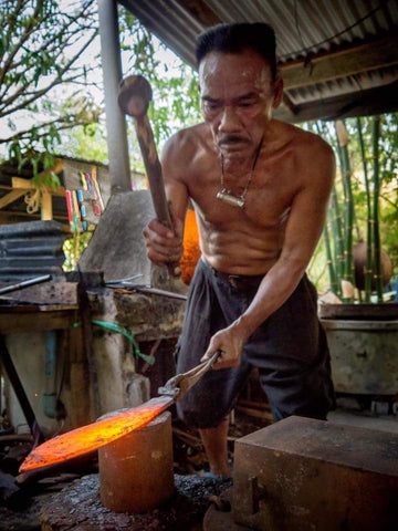 Hand Forged Traditional Custom Swords. Traditional Blacksmithing Method to make vintage swords.