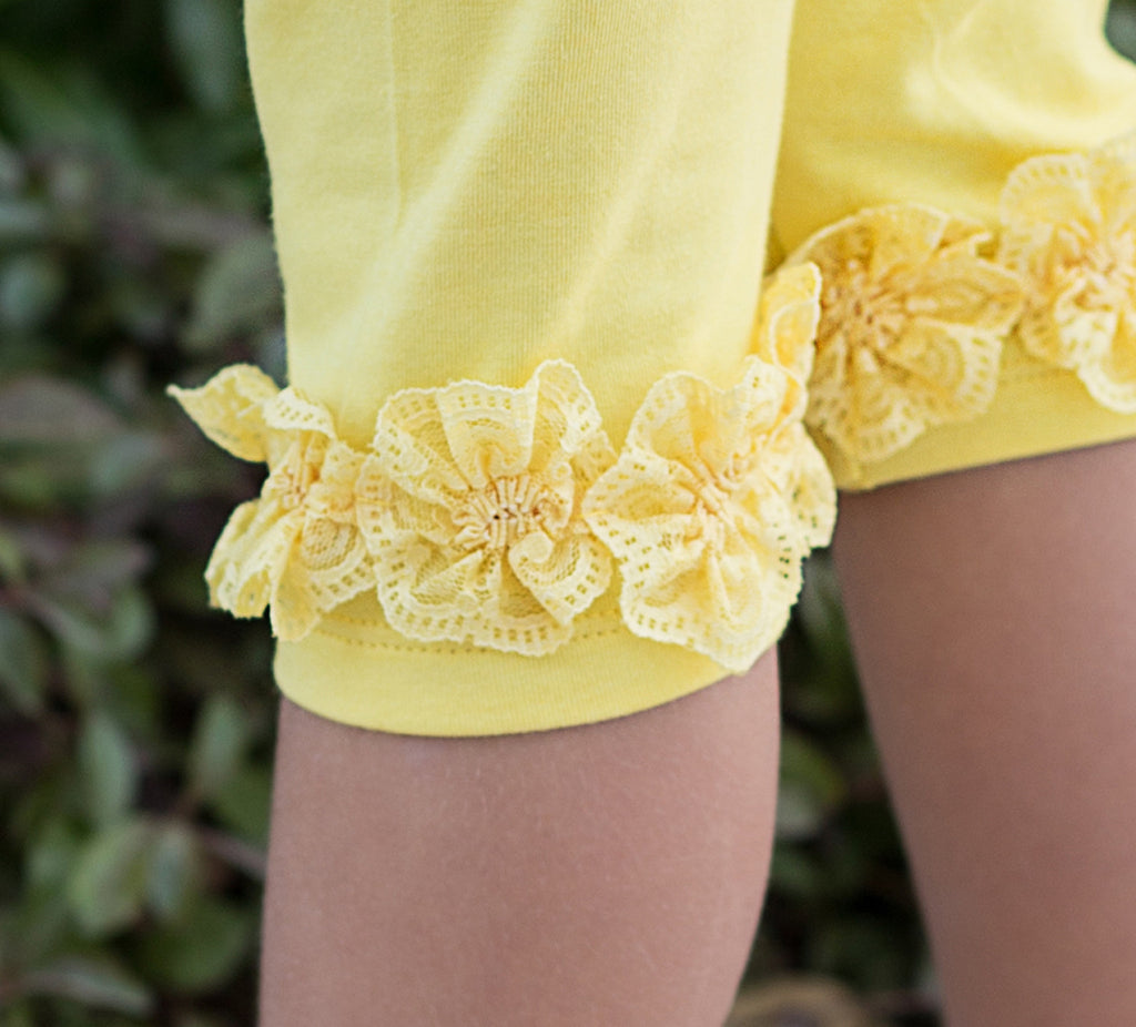 Girl's Cropped Leggings with Lace Flowers