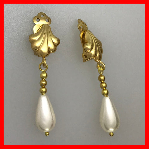 Shell Shaped Clip-on Earrings with Drop Pearl