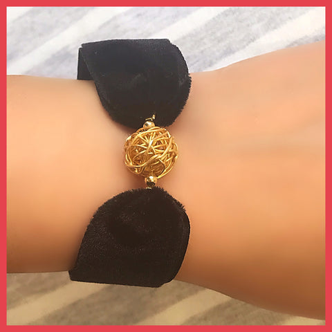 Gold Wire Ball Bracelet with Ribbon Band