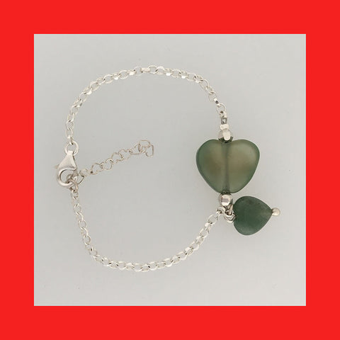 Bracelets; Heart shaped Jade