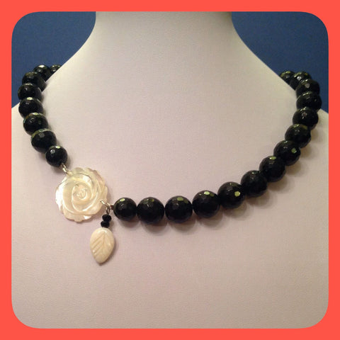 Necklace,Flower shaped mother of pearl and black Agate