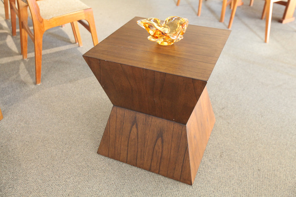 "Modern Contemporary Walnut Side Table (19.75""x19.75""x22""H)"