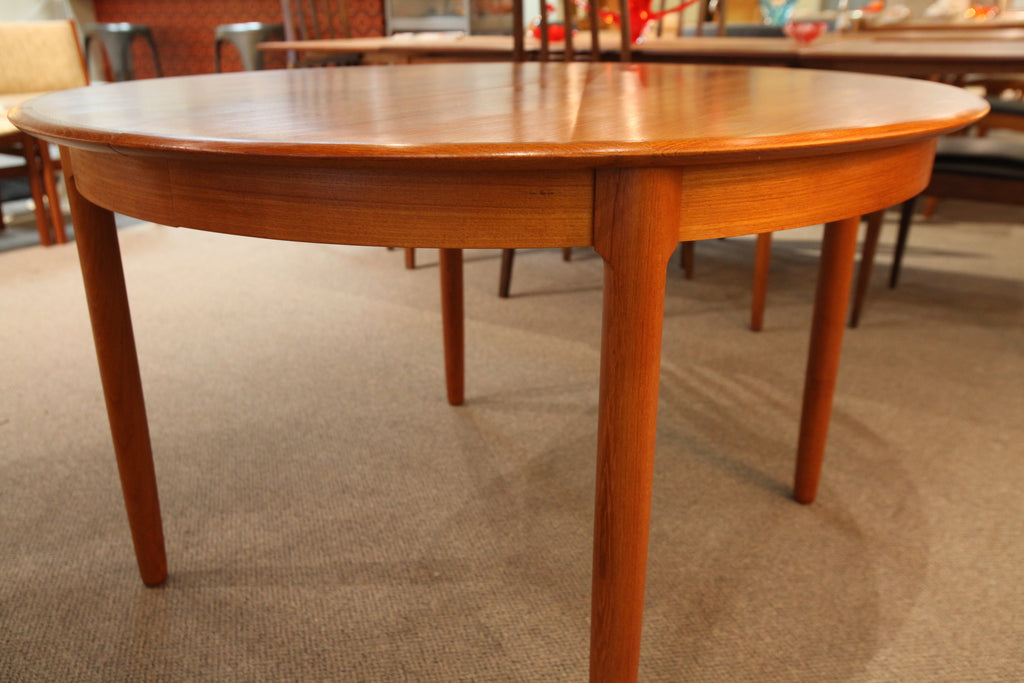 "Vintage Round Danish Teak Dining Table w/ 2 Leafs (86.75""x47.25"") or 47.25"" Dia"