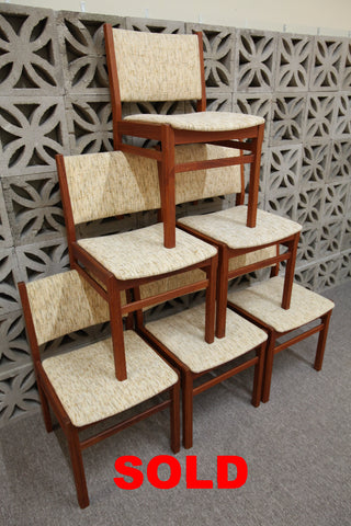 "Set of 6 ""Like New"" Vintage Teak Dining Chairs"