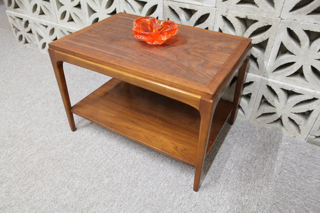 "Vintage Walnut End Table (29.5"" x 20.5"" x 20.25""H)"