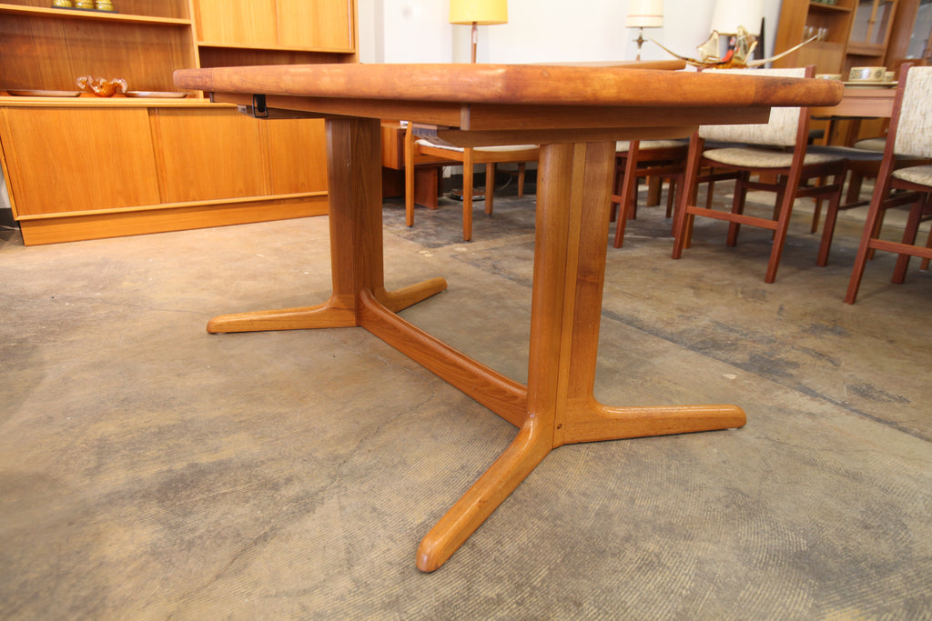 "Beautiful Vintage Danish Teak Dining Table w/ 2 Leafs (98.5""L x 39.5""W) or (59""L x 39.5""W)"