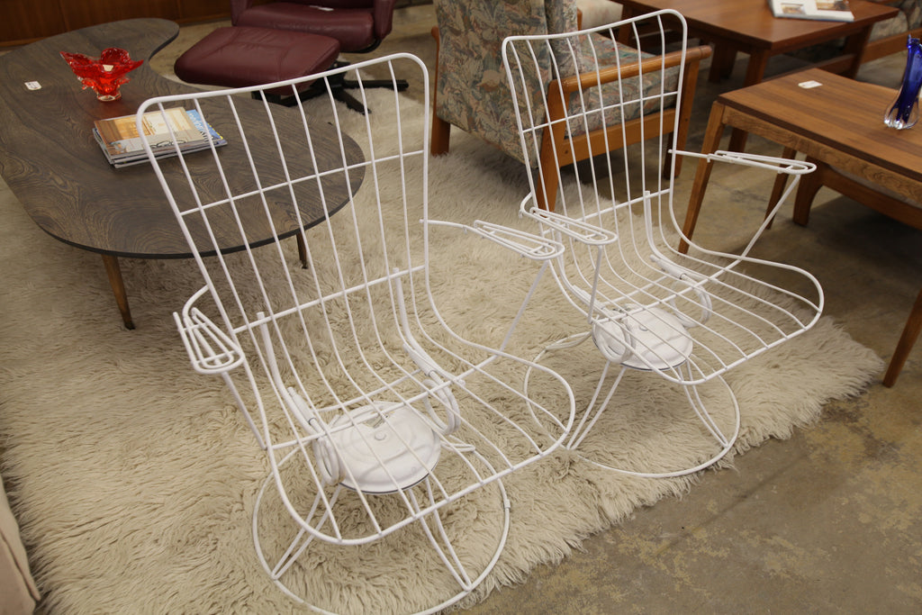 "Vintage Homecrest Wire Swivel/Rocker Patio Chair (26""W x 32.5""H x 14""H Seat)"