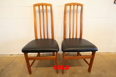 "Set of 2 Vintage High Back Teak Dining Chairs (20""W x 41.75""H)"
