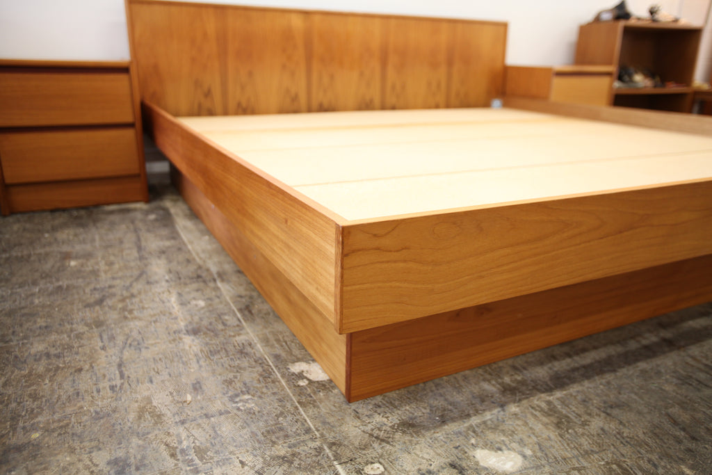 "Vintage Teak King Size Bed with Night Stands (122""W x 83.5""D x 31.5""H)"