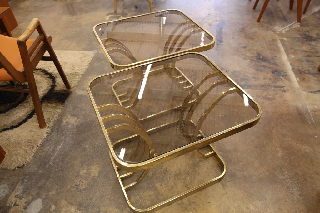 "Vintage Brass End Table. (27"" x 24"" x 21""H)"