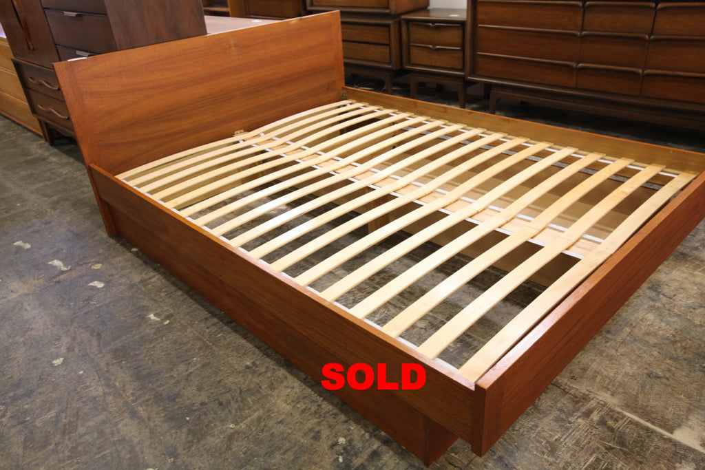 "Vintage Queen Teak Bed w/ Pullout Drawer (62.5""W x 31.75""H x 82""D)"