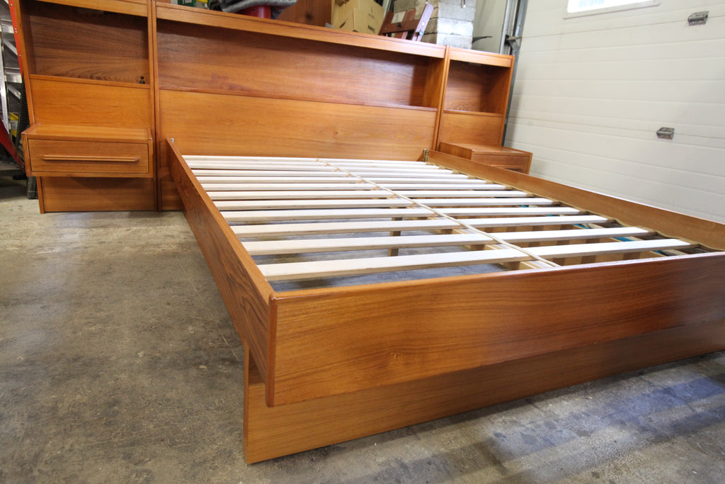 "Vintage Queen Teak Bed w/ Floating Night Stands (107""W x 40""H)"