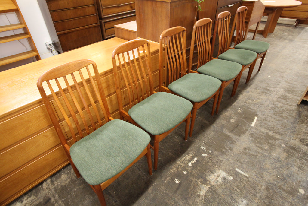 "Set of 6 Vintage Teak Dining Chairs (37""H x 19""W x seat 18.5""H)"