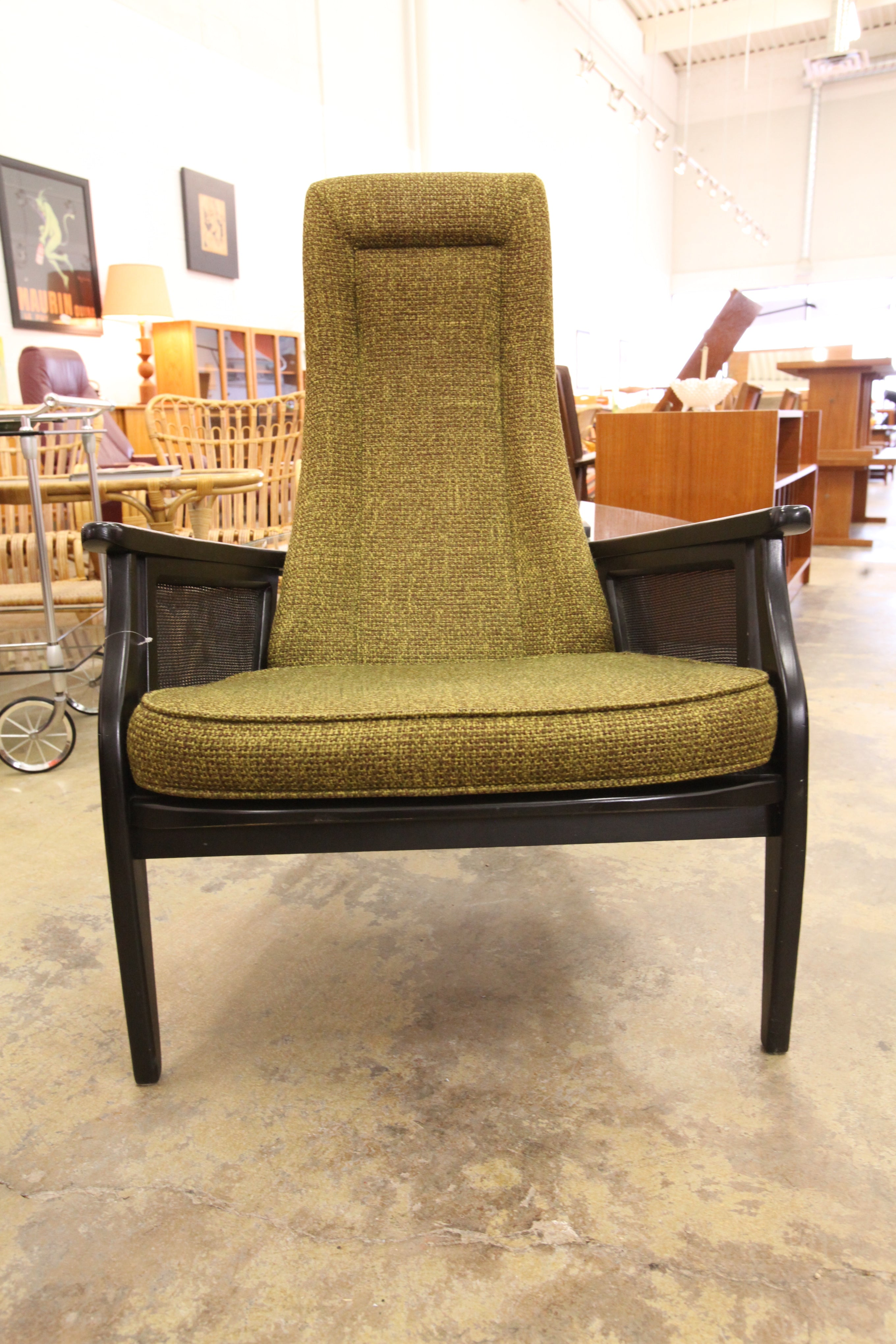 "Unique Vintage Lounge Chair (27.25""W x 38.5""H x 30""D)"