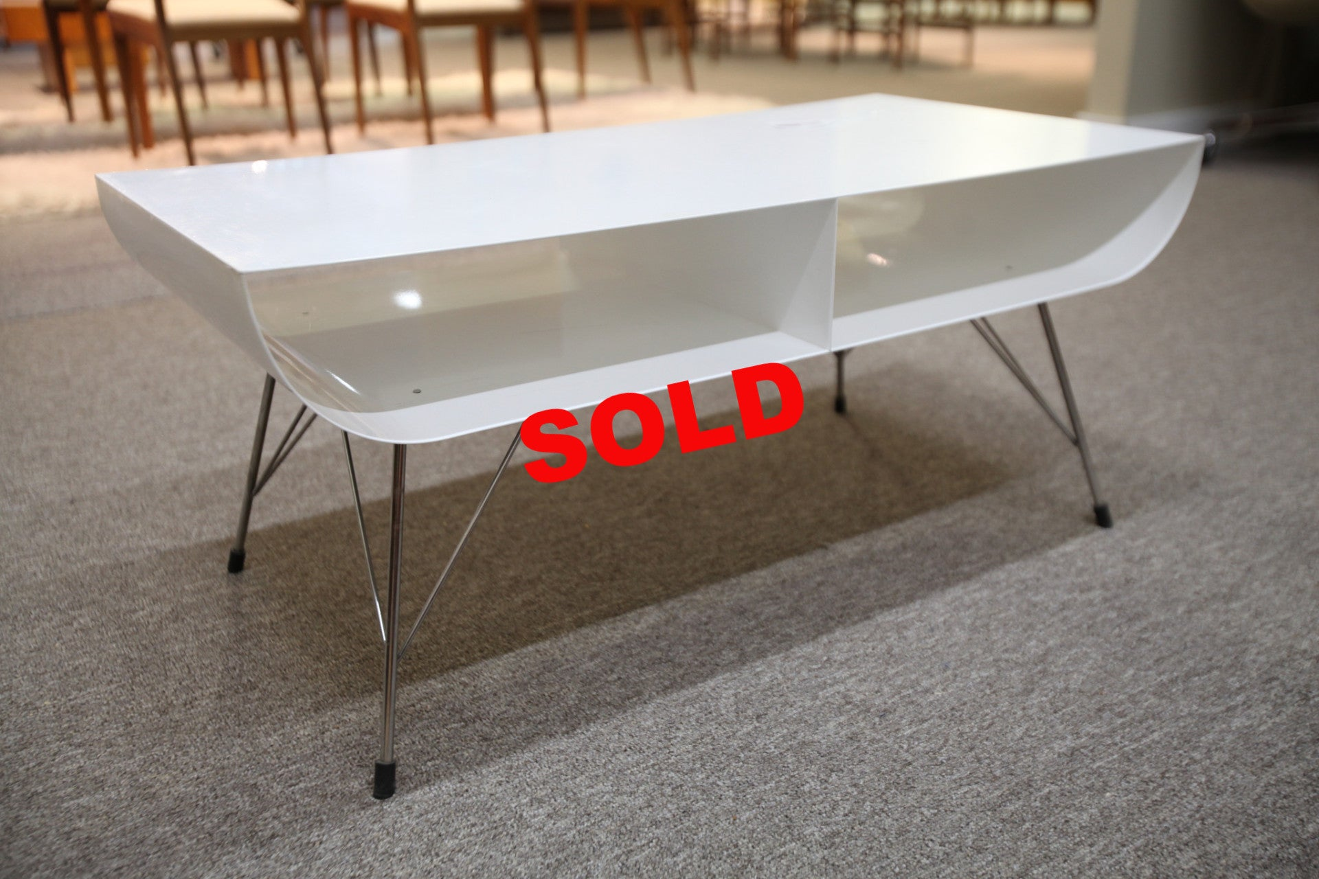 Pure Design White Metal Coffee Table