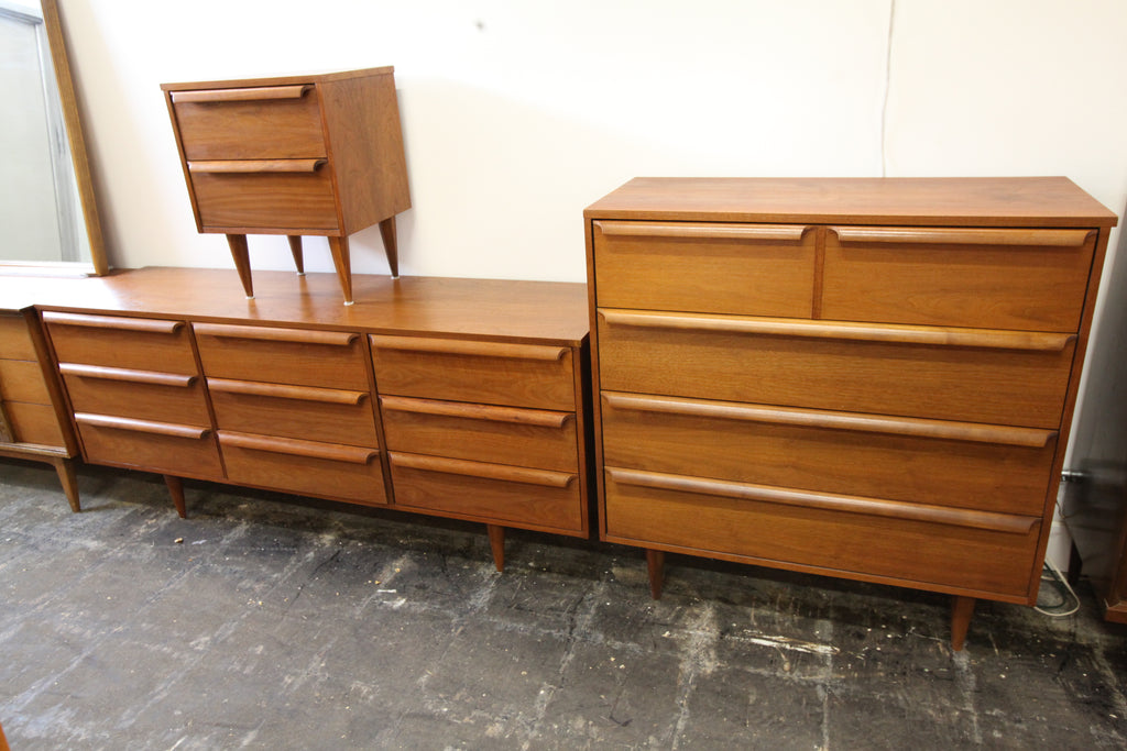 "Beautiful Vintage Walnut 9 Drawer Dresser by Viscol (70""w x 18.75""D x 30""H)"