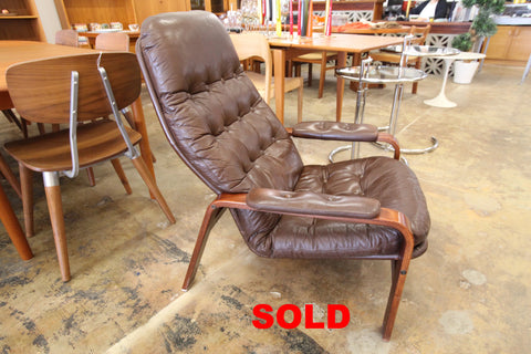 "Vintage Brown Leather Gote Mobler Swedish Lounge Chair (29""W x 36""H)"