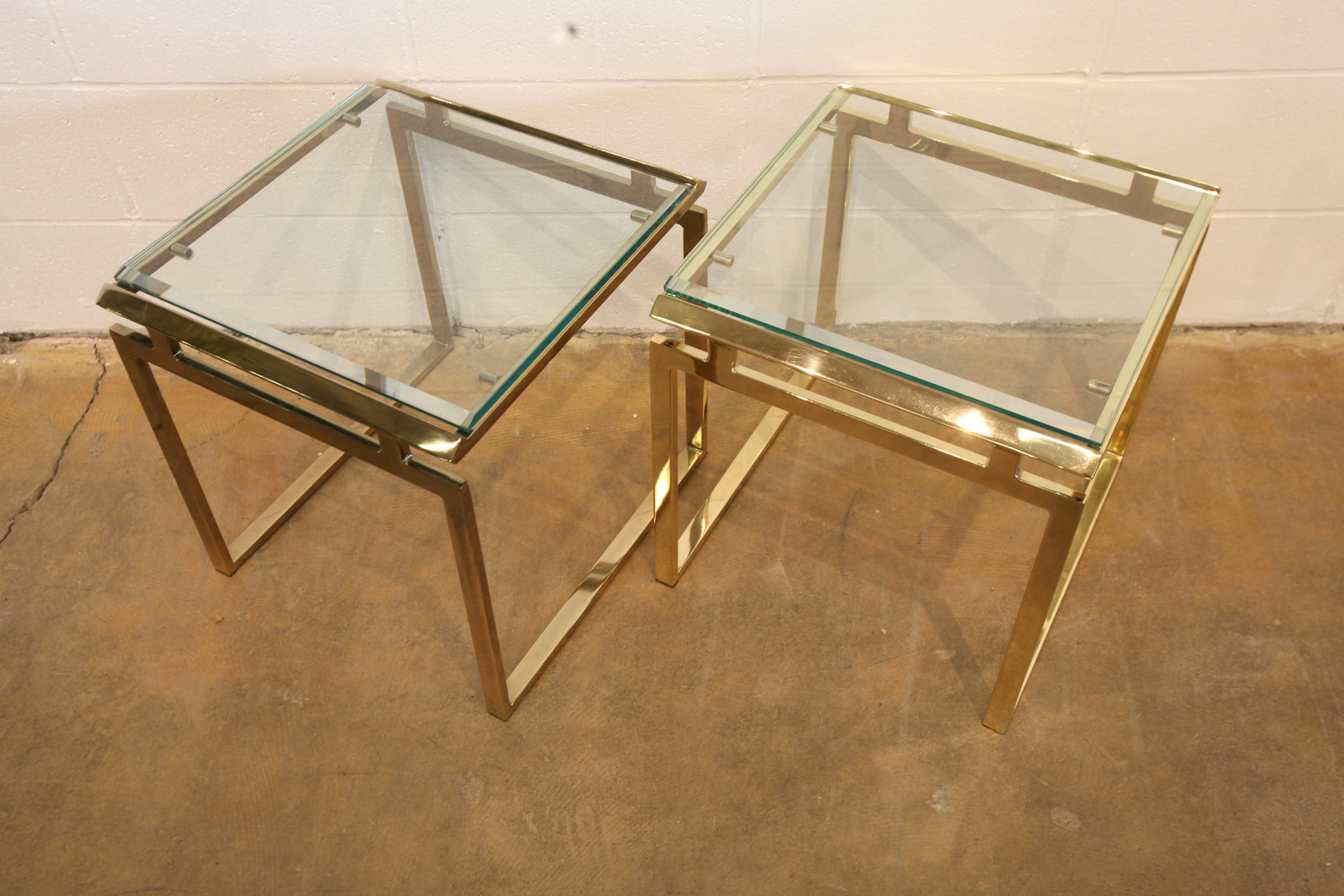 "Beautiful Vintage Solid Brass End Table (17"" x 18"" x 17.5""H)"