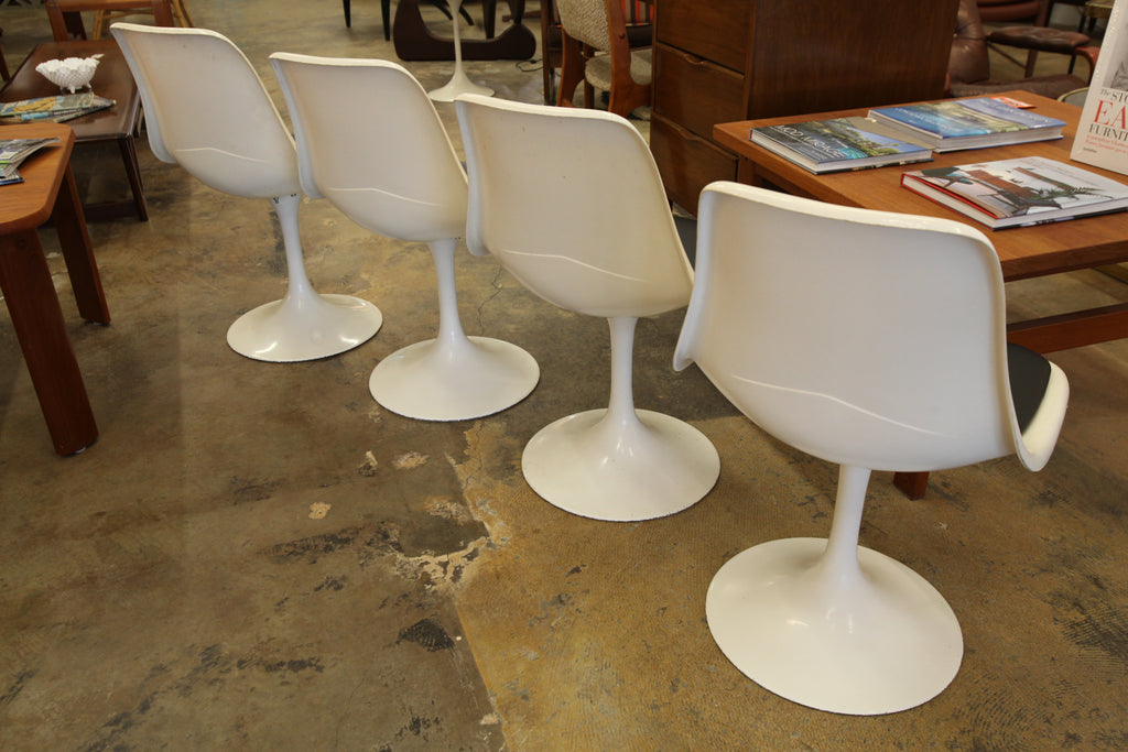 "Vintage Saarinen Style Tulip Table & 4 Tulip Chairs (41.5"" Dia x 29.25""H)"