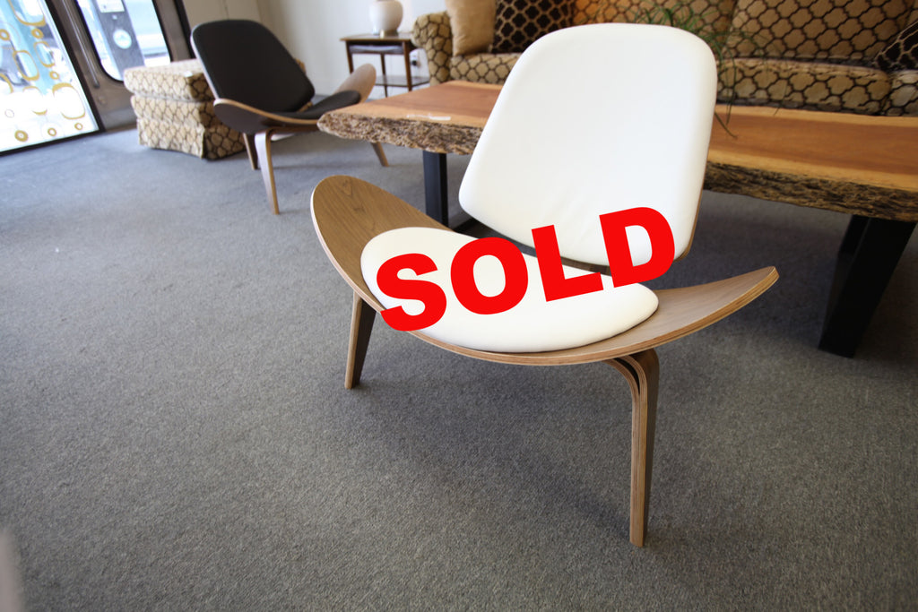 White Leather Shell Chair (Replica)