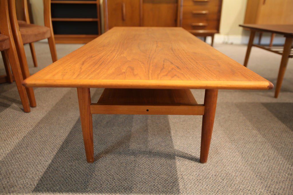 Teak Coffee Table (59x22.5x15.75h)