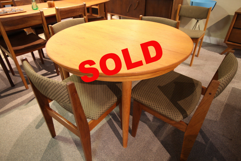"Round Danish Teak Table (2 leafs) 43.25"" across (82.75"" x 43.25) with extensions"