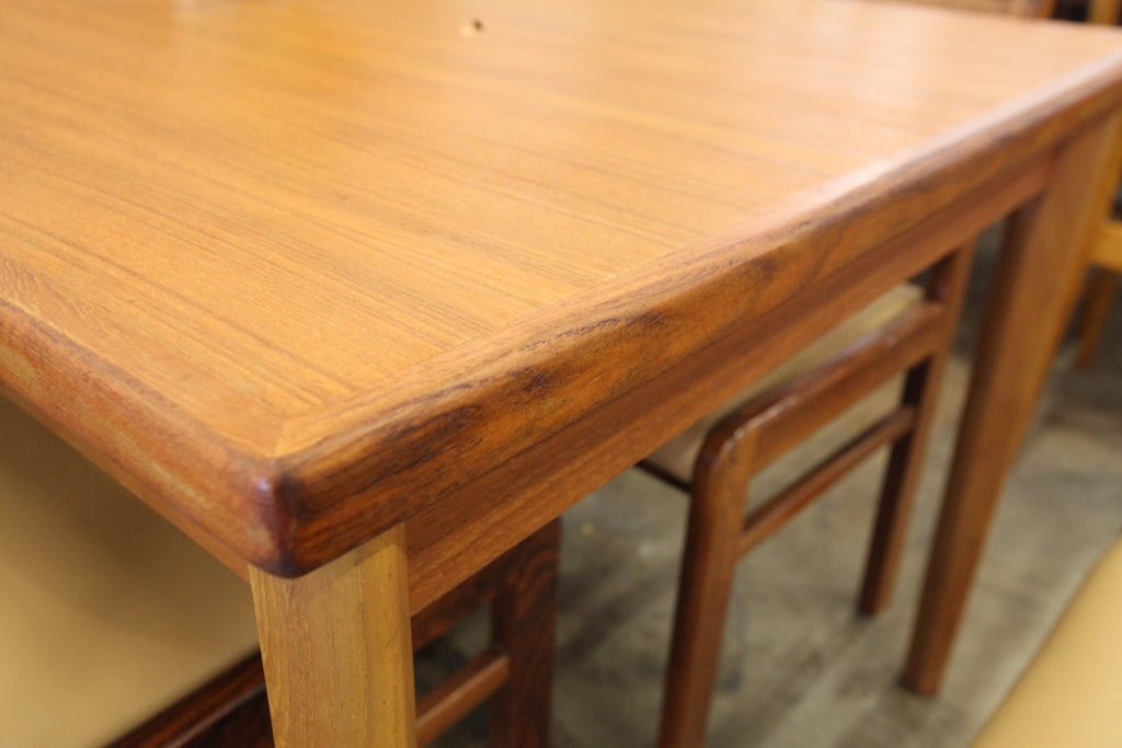 "Beautiful Danish Teak Dining Table w/ Pullout Hidden Leafs (96.5""x35.25"")(57""x35.25"")"
