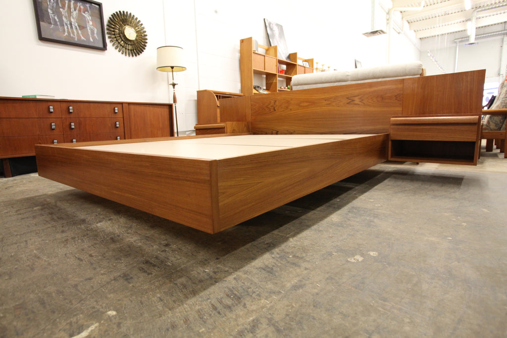 "Vintage Teak Queen Bed w/ Floating Night Stands (102.25""W x 82.5""D x 28.75""H)"