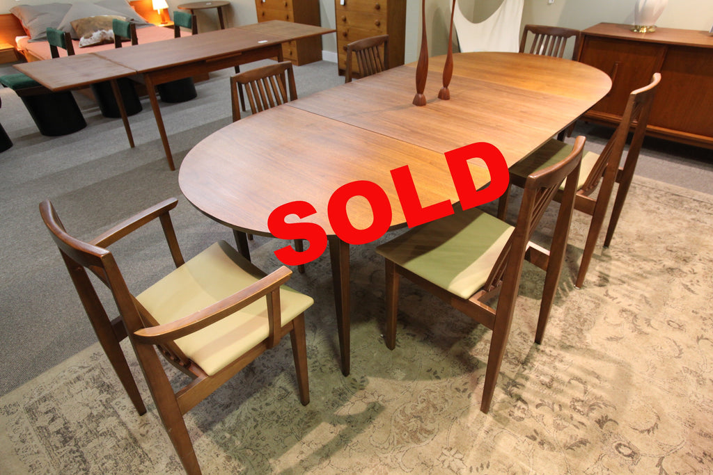 "Honderich (1960) Walnut Dining Table w/2 Leafs and 6 Chairs (92""x41.5"") or (57.5""x41.5"")"