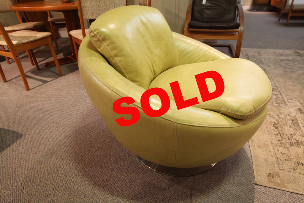 Leather Swivel Chair (Light Green)