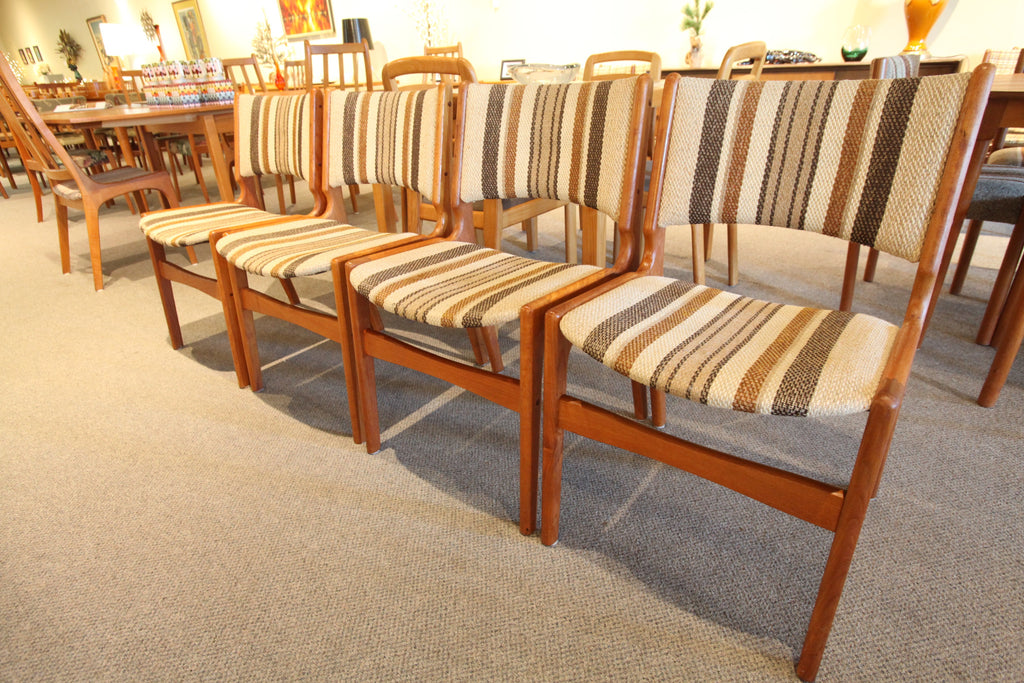Set of 4 Vintage Teak Chairs