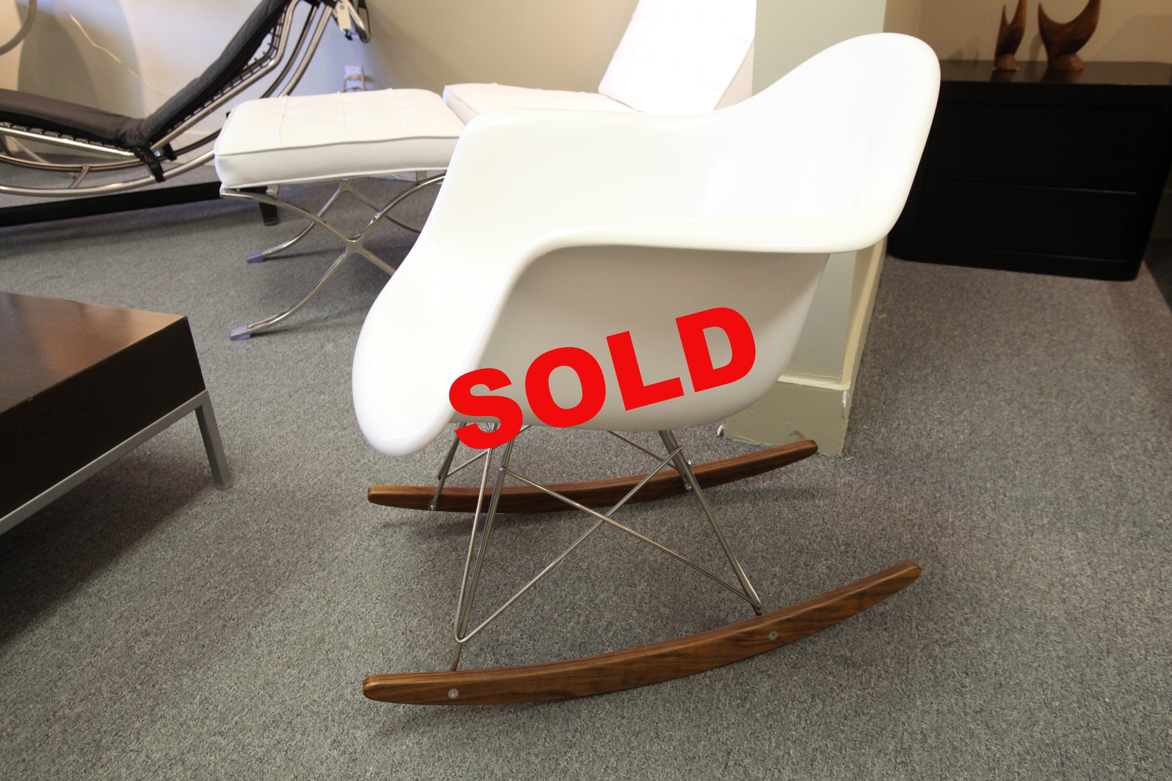 Replica White Eames Molded Plastic Rocker (Nice Quality)