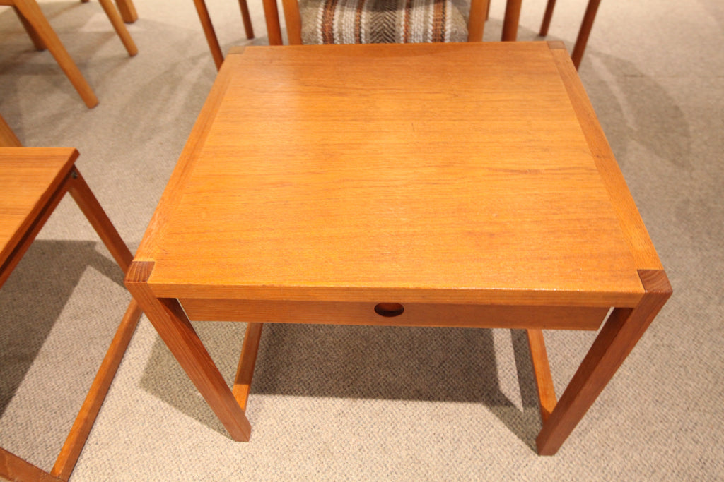 "Brode Blindheim Teak Table w/drawer (23.5"" x 21.25"" x 20.5""H)"