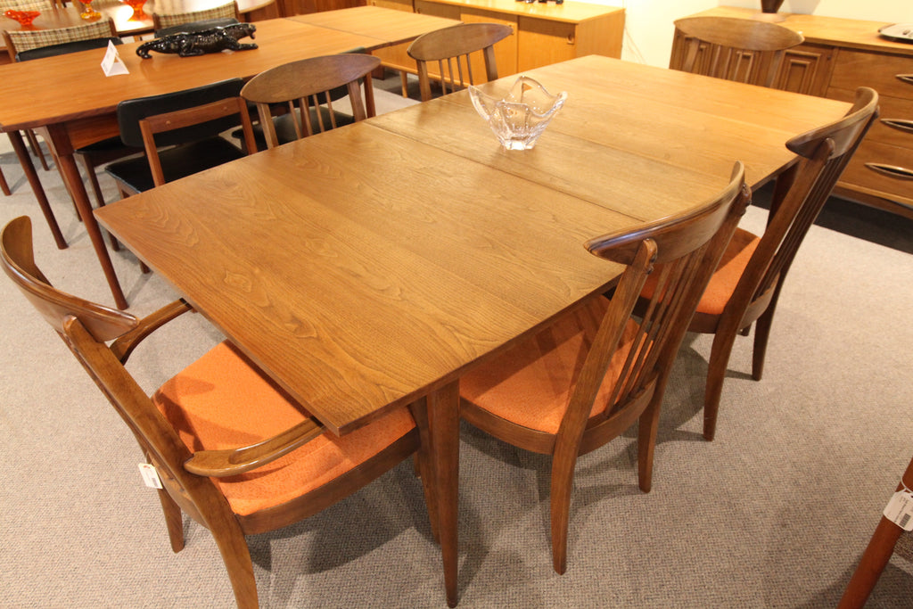 "Vintage Broyhill Mid Century Walnut Table w/Leaf (72"" x 40"") or (60.5"" x 40"")"