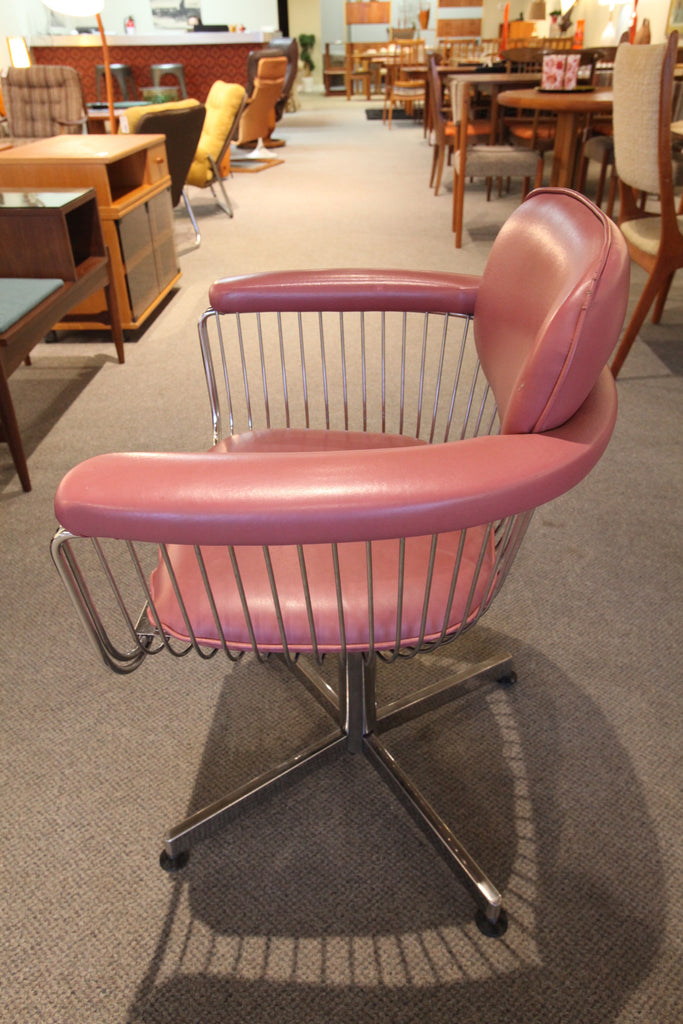 Vintage Faultless Doerner Swivel Chair (Pink)