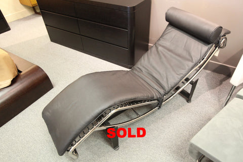 "Replica Le Corbusier LC4 Lounge Chair (Black Leather) (63""L x 20""W)"