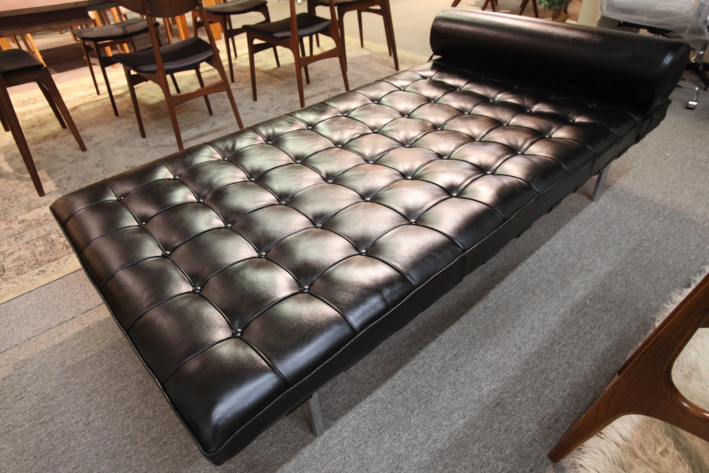 "Vintage Leather Barcelona Day Bed (77""L x 38""W x 16""H)"
