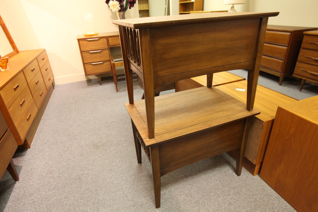 "Set of 2 Walnut Brutalist Style End Tables (20"" x 28"" x 21""H)"