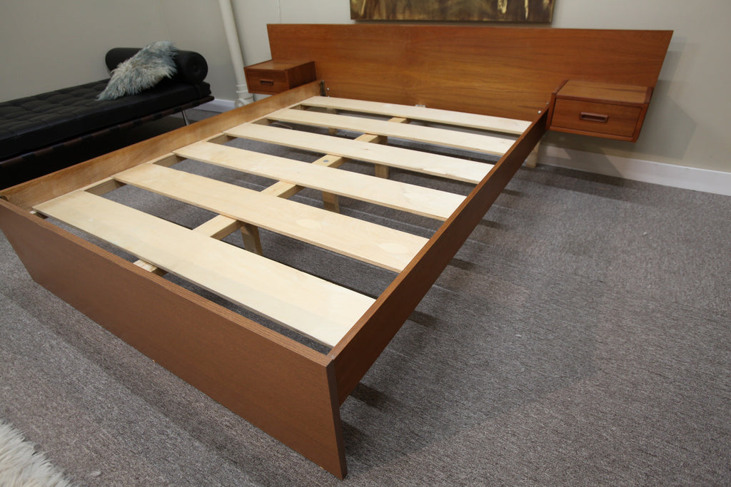 "Mid Century Queen Teak Bed w/floating Night Stands (96"" W)"