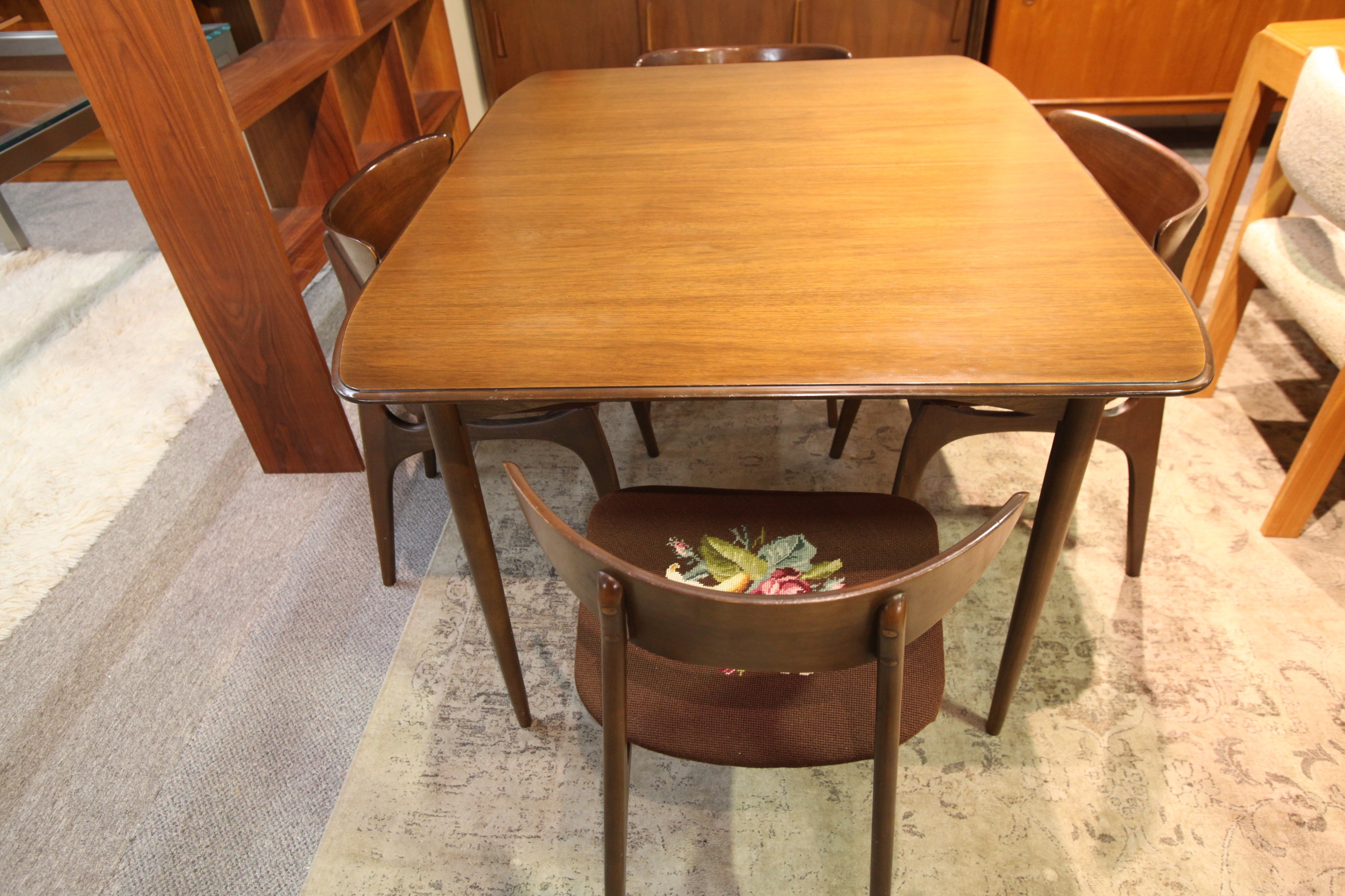 "Vintage Deilcraft Walnut Table w/2 Leafs (72.5""L x 40""W) or (48""L x 40""W)"