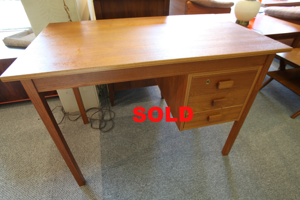 "Small 3 Drawer Teak Desk (39.5"" x 24"")"