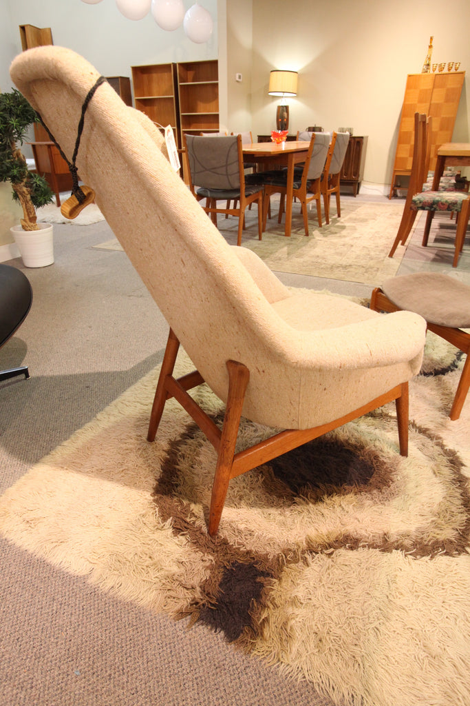 "Very Cool Mid Century Lounge Chair w/Teak Frame (39""H x 34""W)"