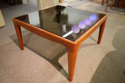 "Square Teak / Glass End Table (29.5"" x 29.5"" x 16""H)"