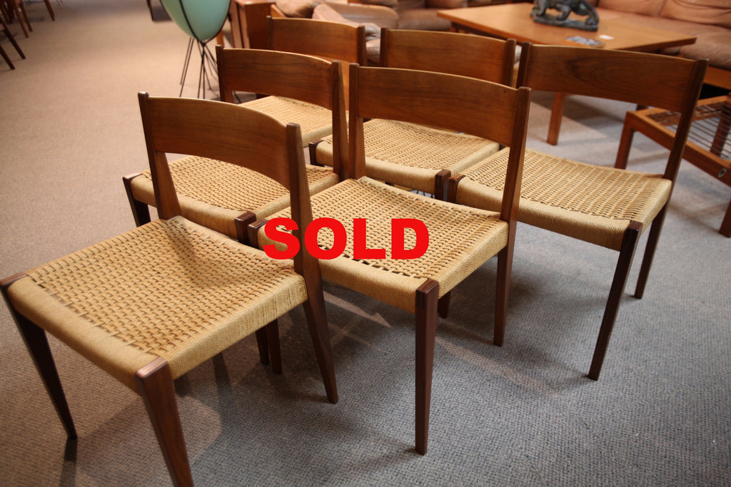 Set of 6 Fabulous Teak / Rattan Dining Chairs