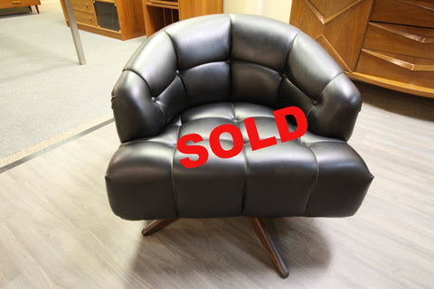Vintage Black Swivel Lounge Chair