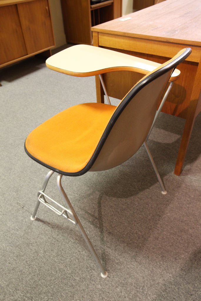 Herman Miller / Eames Desk Chair (Circa 1961)
